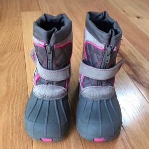 Toddler girl snow boots.